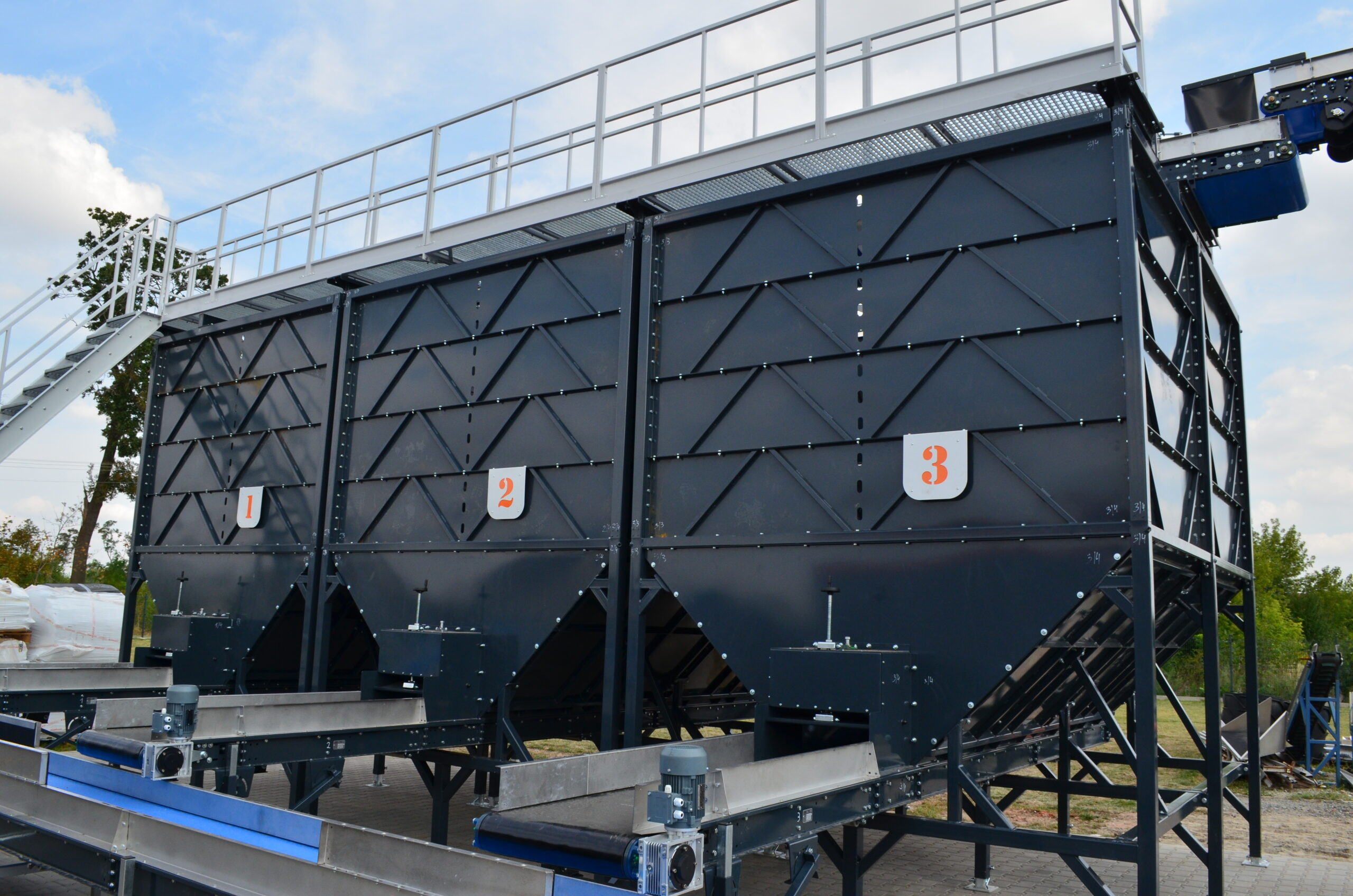 Бункер разгрузочный с транспортером транспортер т4 пассажирский